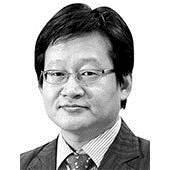 [데스크 view &] 2012년과 2017년의 김상조