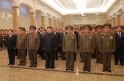 [<!HS>J가<!HE> <!HS>가봤습니다<!HE>] 김정은이 미사일 개발자 대동하고 찾은 금수산태양궁전