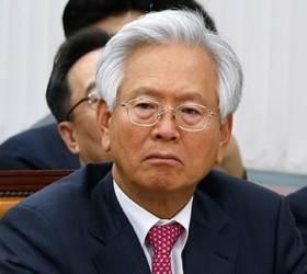 """檢, """"문재인은 <!HS>공산주의<!HE>자"""" 고영주 불구속기소"""