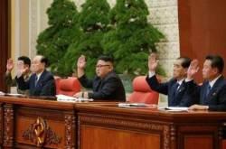 """북한 김정은 """"군부가 두려워"""" 최용해 앞세운 말 못할 사연"""