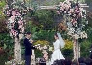 [이슈IS] '우아+고품'…송혜교 드레스는 크리스티앙 디오르