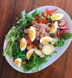 [<!HS>혼밥의정석<!HE>] 프랑스 니스풍 샐러드…다이어트에 좋은 이유 있었네