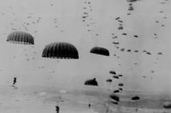 북한군 한가운데 낙하산만 메고 뛰어들까