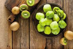 [건강한 가족] 영양소 밀도 일등 과일 키위 먹으면 면역력·배변력 UP