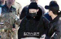 '병역법 개정' 그 후… 男 아이돌, 입대에 대처하는 자세