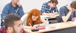 [<!HS>열려라<!HE> <!HS>공부<!HE>+] 유학생 위한 장학금·기숙사 … 학비·주거 걱정 덜어준다