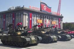 北 <!HS>열병식<!HE>, '美 눈치'에 ICBM 숨기고 '韓공격' 신무기 공개