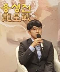 """김지석 9단 아빠된 날 용성전 우승까지 """"평생 잊지 못할 날"""""""