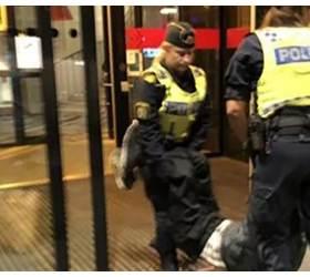<!HS>중국인<!HE> <!HS>관광객<!HE>, 스웨덴서 무단 체크인하려다 쫓겨나…中정부, 사과 요구