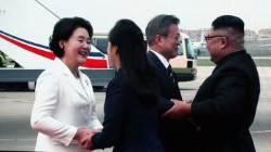 """평양땅 밟은 문 대통령···북한군 """"각하 위해 도열"""""""