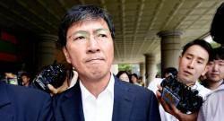 '무죄' 안희정 '징역 6년' 이윤택…다섯 가지가 달랐다