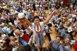 [<!HS>서소문사진관<!HE>] 700만잔 맥주 축제 '옥토버페스트' 개막