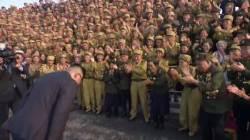 김정은도 90도 인사…북한 통치 스타일 이미 달라졌다