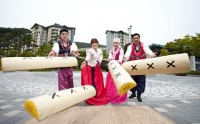 물놀이·불꽃쇼·야외공연…남은 연휴는 국내 리조트에서?