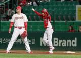 대주자·대수비 전문 유재신이 13년 만에 때린 프로 첫 홈런