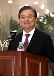 """홍석현 이사장 """"북한, ICBM 반출과 <!HS>핵무기<!HE> 해체 '액션' 취해야"""""""
