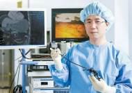 [건강한 가족] 구멍 하나만 뚫어 암 제거···조기 위암 치료 새 장 열다