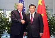 """트럼프 """"중국 더 큰 고통 느껴야…관세 완화 없다"""""""