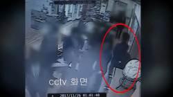 """""""제3자 나가달라""""…'곰탕집 <!HS>성추행<!HE> 사건' 항소심 비공개 전환"""