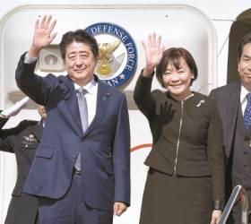 """아베·<!HS>리커창<!HE> """"협력의 시대"""" … 제3국 50곳 공동개발 합의"""