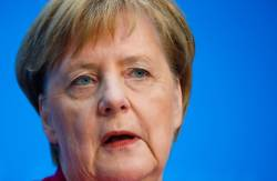 <!HS>메르켈<!HE>, 18년 만에 기민당 대표 물러난다…총리직은 유지