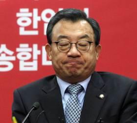"""""""방송독립 침해""""…檢 '<!HS>세월호<!HE> 보도개입' 이정현 징역 <!HS>1년<!HE> 구형"""