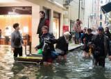 유럽에 강풍·폭우·<!HS>폭설<!HE>…이탈리아, 문화재 침수 피해도