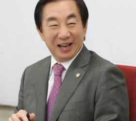 """김성태, """"<!HS>이선권<!HE>, 간 배 밖으로…배나온 사람 누군지 알 텐데"""""""