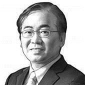 [이하경 칼럼] <!HS>문재인<!HE> 대통령만 모르는 경제위기 가능성