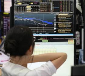 미 <!HS>중간선거<!HE> 앞두고 다시 흔들리는 증시…외국인·기관 '팔자'에 2% 급락