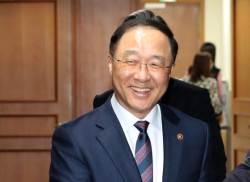 홍남기, 이낙연이 추천…김수현, 文이 낙점했다