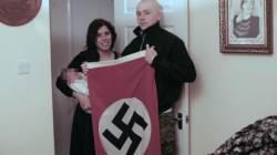 """""""히틀러 존경해…"""" 자식 이름에 '아돌프' 넣은 英부부 유죄"""