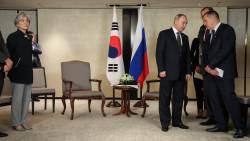 문재인 대통령 기다리는 '지각 대장' 푸틴 대통령