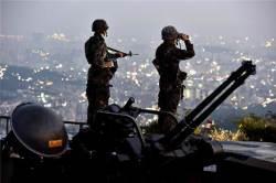 방공진지 근무 병사 옥상에서 떨어져 사망