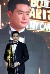 '홈런왕' 김재환, 프로야구 MVP까지 수상