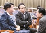 """민주당, 법관회의 바로 다음날 """"판사 13명 탄핵감"""""""