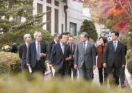노무현 이어 문 정부 흔드는 '민노총 트라우마'