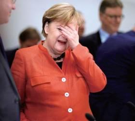 <!HS>메르켈<!HE>, 기체결함으로 비상착륙···G20 개막식 못 갈듯