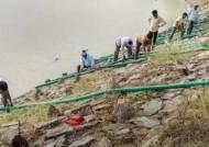 인도 마을서 축구장 20여개 규모 호숫물 모두 빼낸 이유