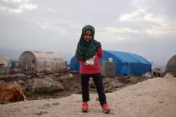 참치캔 의족 끼우던 <!HS>시리아<!HE> 소녀···'두 발'이 찾아왔다