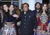인도판 '세기의 결혼식' 혼주 집은…시중드는 사람만 600명·한달 전기료는 1억