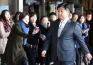 실세 비리 보고했다 징계…우윤근 의혹 '제2 박관천'?