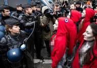 """[서소문사진관]""""우리도 뿔났다"""" 파리 경찰, 시위에 나서는 이유는?"""