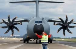 스페인, '미션 임파서블' 수송기와 한국 KT-1 바꾸자는데···
