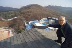 <!HS>드론<!HE> 띄우고 아파트 지붕에 잠복, 난개발 잡는 목사님
