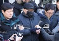 '의사살해' 30대, 범행동기 질문에 '묵묵부답'