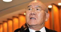 '민주주의 아버지가 <!HS>전두환<!HE>?' 여야, 강력 비판…한국당은 침묵