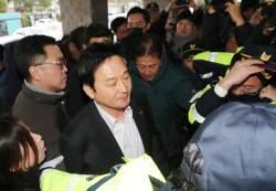 """원희룡 도청진입 과정 소동…""""통행 방해하면 안 됩니다"""""""