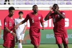 북한, 카타르에 0-6 완패...'빨치산 축구'의 몰락