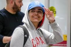 [서소문사진관] 강제송환 위기 18세 사우디 여성, 캐나다 도착